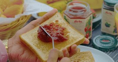 Jam spread